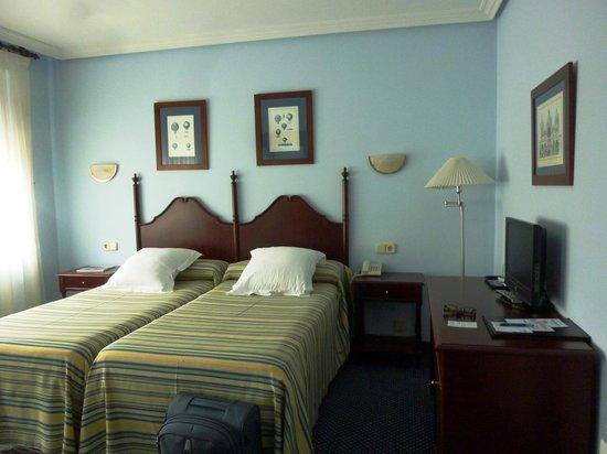 Hotel Ribadesella Playa: camera matrimoniale