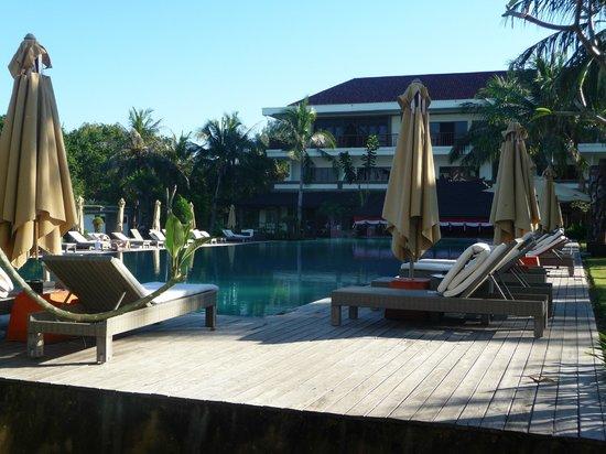 Hotel Ombak Sunset: La Piscine