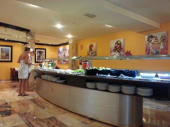 Kn Columbus Aparthotel : Ancora buffet