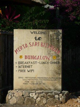 Merta Sari Bungalow : Entrée