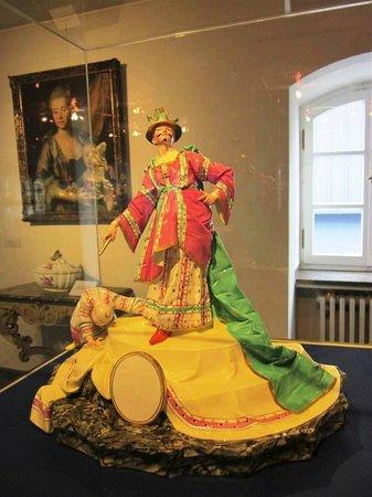 Hetjens Museum (Deutsches Keramikmuseum): красочные