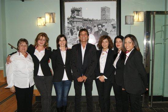 Esta es la Familia del Hotel Castillo de Javier, quienes procuraremos hacer de su estancia lo me