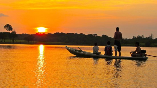 Amazon Backpackers : solnedgang