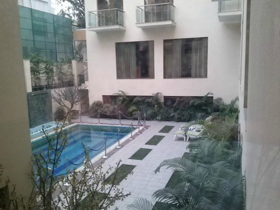 Hotel Jivitesh: Pool