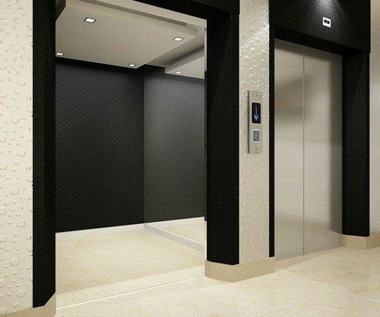E Hotel: Elevator
