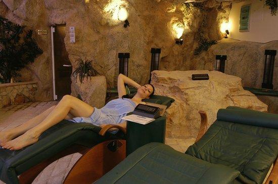 Hotel Leonardo Da Vinci Terme & Golf: grotta