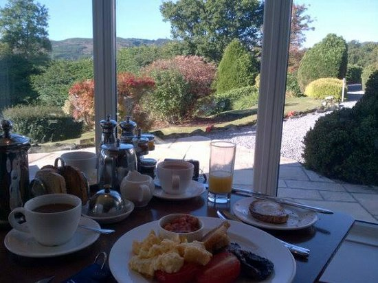 Macdonald Forest Hills Hotel & Spa: Breakfast View
