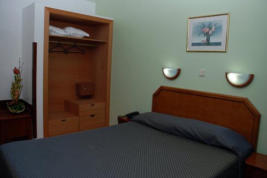 Hotel Dos Anjos : QUARTO