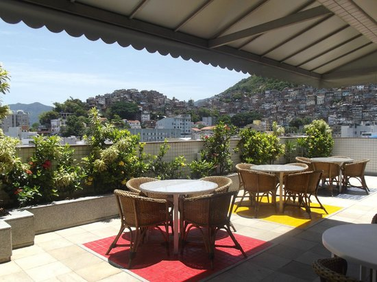 South American Copacabana Hotel: Roof Terrace View of Favelas
