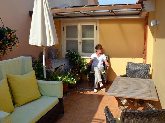 Aetoma Hotel: terrasse