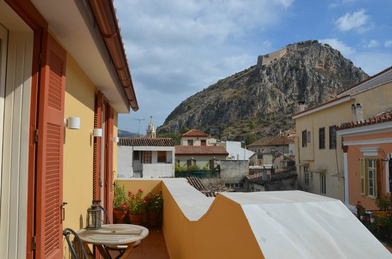 Aetoma Hotel: vue du balcon vers forteresse de Palamède
