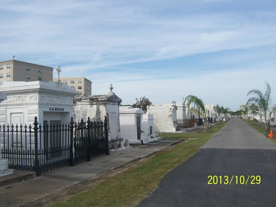 Dixie Tours New Orleans: Cemetery
