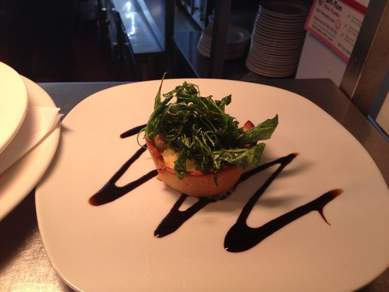 The Eagle and Spur: Goats cheese tartlet with deep fried rocket