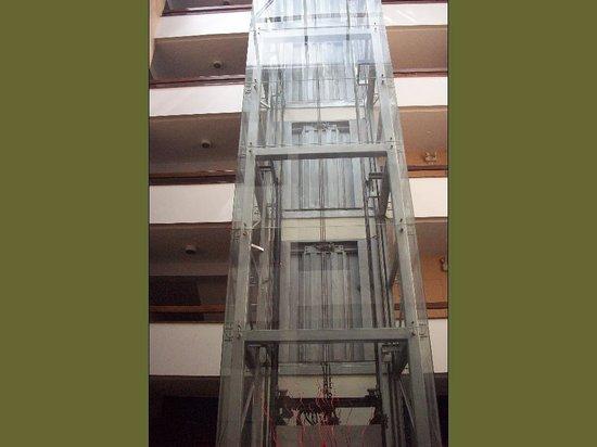 El Dorado San Agustin: ascensor