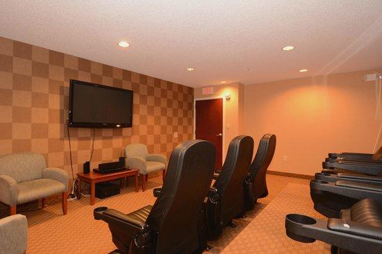 Sleep Inn & Suites Rehoboth Beach Area: Theater room