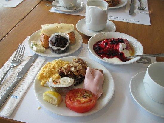 NH Prague City: Breakfast.