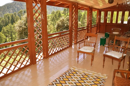 Khajjiar, Индия: Upper Wooden Veranda
