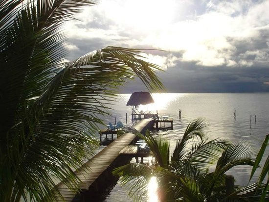 Colinda Cabanas : View from the balcony of ocean front suite #2