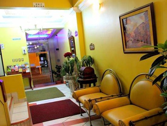 Hostal La Castellana: Living Room