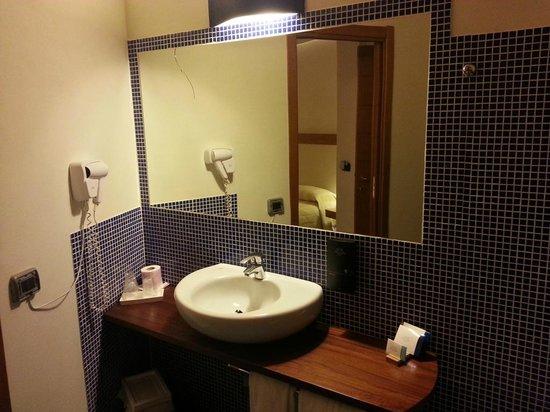Magaggiari Hotel Resort: Lavandino