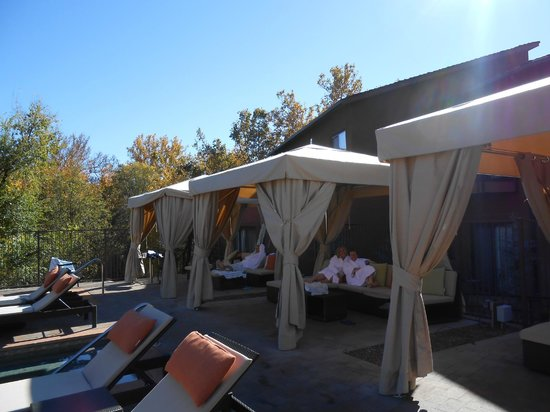 Amara Resort & Spa, a Kimpton Hotel: Pool Cabanas