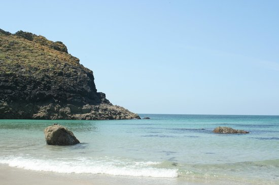 The Lizard and Kynance Cove: Kynance Cove,  Fijiian water in the UK