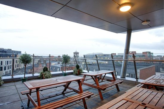 Jacobs Inn Hostel: Roof terrace