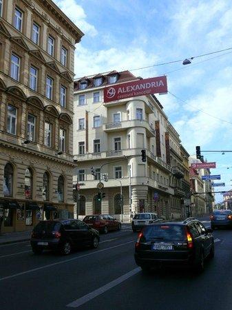 EA Hotel Sonata: Отель
