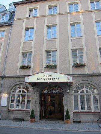 Hotel Albrechtshof : Вид с улицы