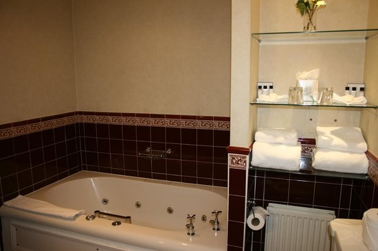 The Edinburgh Residence: Suite 12 bathroom
