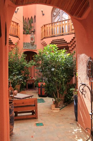 Riad Amira Victoria: Innenhof