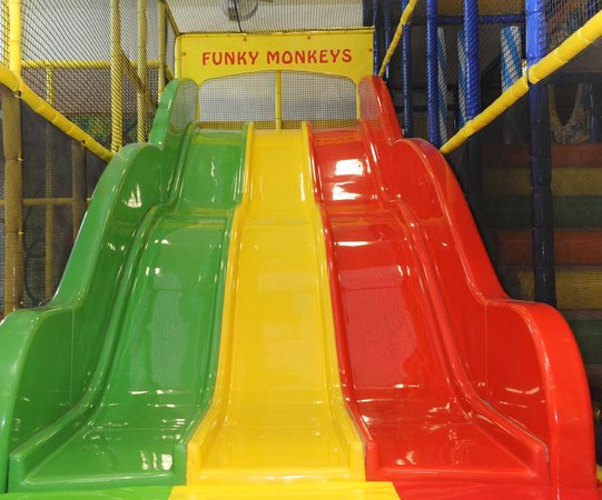 Funky Monkeys Play Center - Lower Parel: Triple Lane Slide