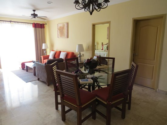 Villa del Palmar Flamingos: Beautiful Clean Suite also has a murphy bed if needed!
