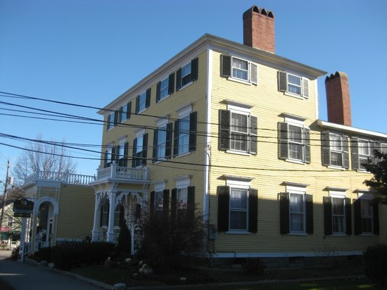 Inn by the Bandstand: Inn at the Bandstand, Exeter, NH