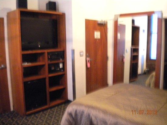 Harborside Inn: In room seating area