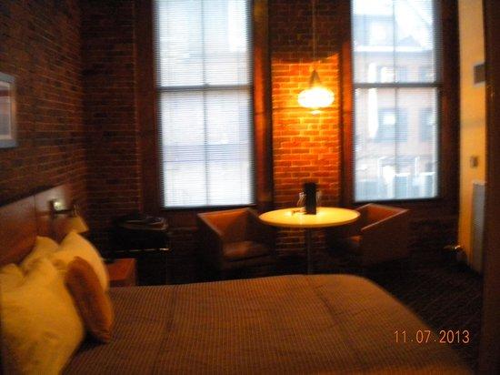 Harborside Inn: Front view of room