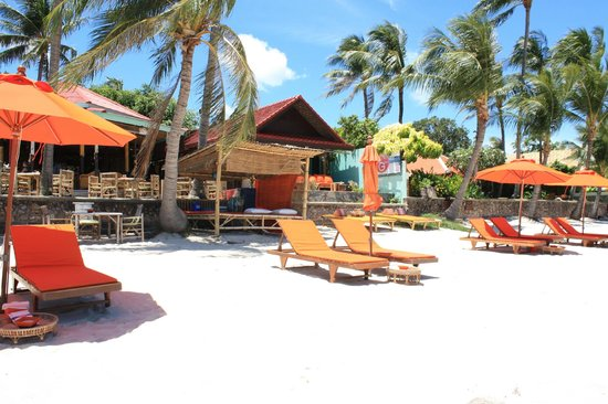 Secret Garden Beach Resort : Strand und Massage