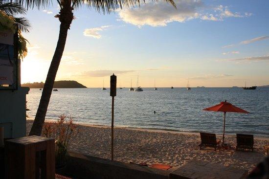 Secret Garden Beach Resort: Ausblick beim Cocktail trinken