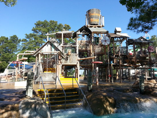 Wet 'n' Wild SplashTown: Treehouse