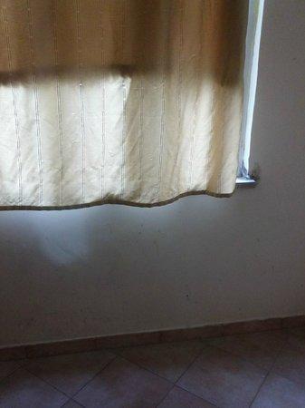 A Casa di Penelope: cortinas sucias y con olor feo