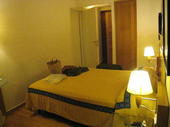 Plaka Hotel: One of the double rooms in our 'Family room'