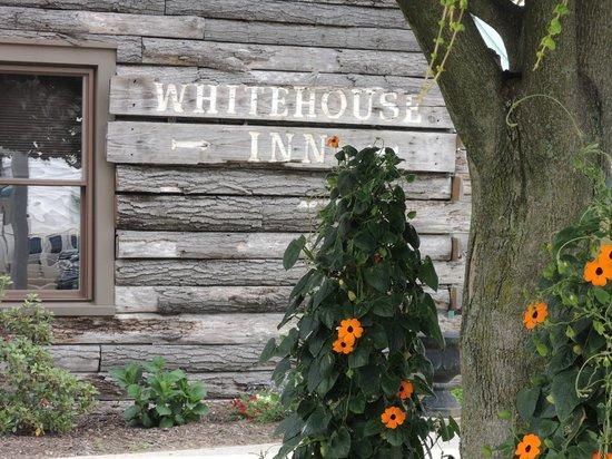 Old Whitehouse Inn Sign