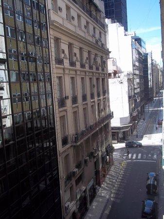 Concorde Hotel : Vista da calle do hotel