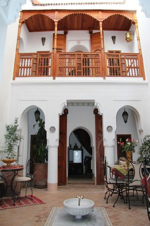 Riad Slawi: View of the room downstairs and the 1st floor