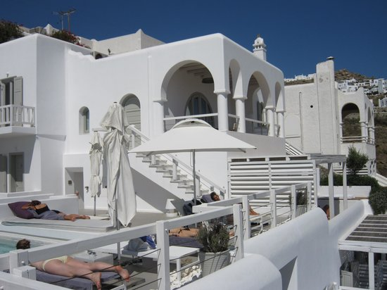 Grace Mykonos Hotel: Sundeck.....Chilled drinkd just a smile away