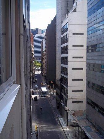 Concorde Hotel: Vista da calle do hotel
