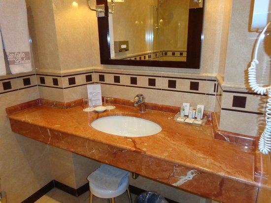 Hotel San Gallo Palace : SALLE DE BAIN