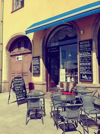 Nestius Mat & Cafe