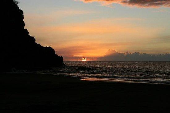 Gingerbread Hill : Sunset at Woodlands Beach