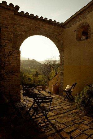 Villa San Raffaello: outside dining area